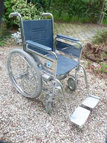 Petite annonce 111644 : chaise roulante pour personne a mob. r�duite assise 44 cm ,