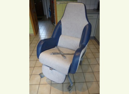 Petite annonce 112274 :   fauteuil coquille grand confort anatomique