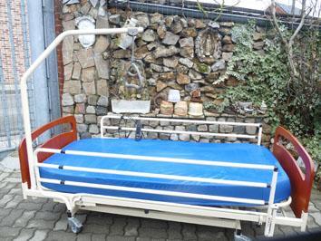 Petite annonce 112676 :  lit m�dicalis� �lectrique rel�ve le lit a hauteur pour les soins,