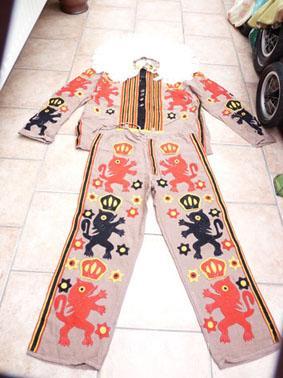 Petite annonce 112684 : costume de gille de binche en tr�s bon �tat et propre  pour adulte ou enfant