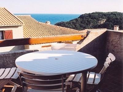 Petite annonce 112706 : Corse - Solenzara -appartement avec grande terrasse -  vue mer - 200m de la mer