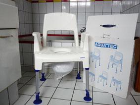 Petite annonce 113167 :  Chaise de douche fixe Invacare Aquatec Pic