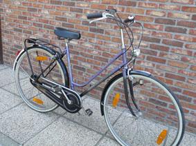 Petite annonce 113230 :  v�lo dame thompson style hollandais , 28 pouces, 3 vitesses ,