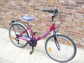 Petite annonce 113367 :  v�lo fille mbm fleur city bike 24 pouces , 6 vitesses tout �quip� ,