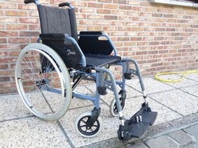 Petite annonce 114009 : chaise roulante l�g�re assise 41 cm repliable ,jazz d�montable